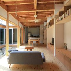 石躍健志建築設計事務所 喜名の家